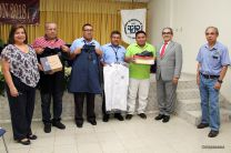 El Rector entregó accesorios de trabajo en Bocas del Toro.
