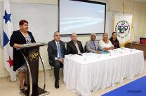 Autoridades, directivos y facilitadores, durante la inauguración de la Jornada