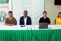 El Decano, Dr. Clifton Clunie y la Jefa del Departamento, Mgtr. Inmaculada R. de Castillo.