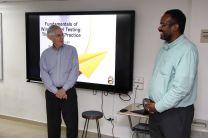 El Dr. Oscar Garibaldi, profesor de la FIM, y el Dr. John Sullivan.