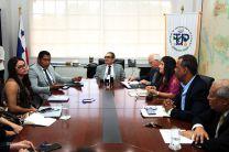 Acompañaron al Rector, docentes y autoridades de la UTP.