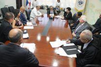 Acompañaron al Rector, autoridades y directivos de la UTP.