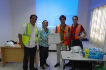 La Facultad de Ingeniería Eléctrica otorgó un certificado de agradecimiento a esta empresa.