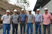Ingeniero Miguel López, Ingeniero Francisco Arango con los gerentes de la Industrias Correagua.
