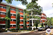 Primera universidad panameña en obtener una acreditación.