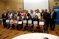 Foto de todos los participantes en la clausura del Diplomado Especializado de Gas Natural.