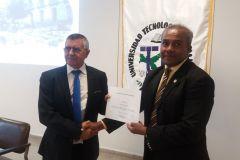 Entrega de certificado al Expositor, Dr. Daniel Prats Rico, Univerisdad de Alicante.