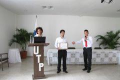 "Estudiantes exponen sobre:""Exportación del Café Geisha a Filipinas""."