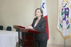 En la conferencia participaron empresarios, representantes sindicales.