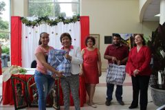 Entrega de Bolsas Navideñas en la UTP