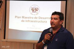 El Dr. Oscar Ramírez, durante su ponencia sobre el Plan de Infraestructura UTP.