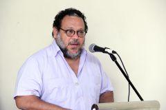 El Poeta Héctor Collado gana Premio Nacional de Literatura.