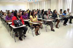 Con mucho entusiasmo estudiantes y administrativos participaron en charla sobre VIH en la UTP.