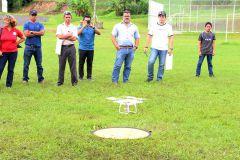 Despegue de drones, durante el desarrollo de los talleres de Flying Labs Panamá, en la cancha deportiva de la UTP.