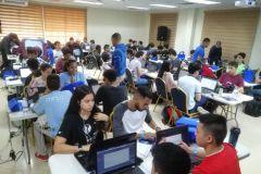 El evento busca que los jóvenes trabajen en equipo, bajo presión y aprendan más sobre tecnologías.