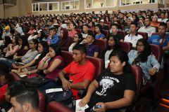 Estudiantes de Primer Ingreso de la Facultad de Ingeniería Civil en el Seminario. de Inducciòn a la Vida Universitaria