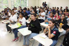 Estudiantes de la Carrera de Ingeniería en Alimentos.