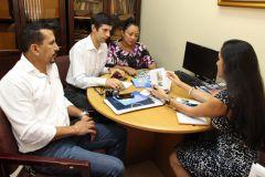 Ing. Aris Castillo, Directora de Relaciones Interrelaciones de la UTP y el profesor Felix Henríquez, junto a representantes de la Universidad Estatal de la Región de Moscú.