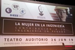 Estudiantes de la UTP realizan Conferencia Mujeres en la Ingeniería.