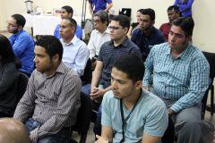 Participantes del seminario sentados en el aula.