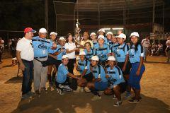Imagen del Equipo Campeón con uniformes celestes