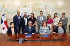UTP firma dos Acuerdos Específicos CAB