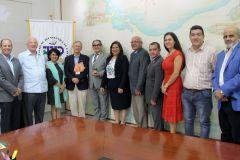 Ambas delegaciones de la UTP y Zamorano posan luego de la reunión.