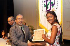 Recibieron Menciones Honoríficas, estudiantes de Primer Ingreso a la UTP y de Primeros Puestos de Honor de sus colegios.