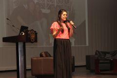 La joven colombiana, Luz Ángela Duarte Suárez, explicó la metodología para emprender, pero en forma de receta.