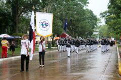 Con un desfile cívico la UTP conmemoró las Efemérides Patrias.