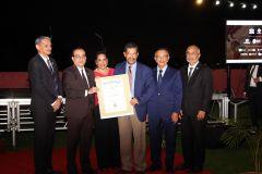 Un Certificado de Reconocimiento por su reciente Indexación a la RED LATINDEX de tres Revistas de la UTP, recibió el Dr. Alexis Tejedor De León.