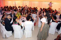 Familia Utepista e invitados tomaron parte en  noche de poemas, música, vinos y quesos.