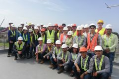 Grupo de quinto año de Ingeniería Civil del curso de Tratamiento de Aguas y Aguas Residuales que participó en la gira a la Planta de Tratamiento de Juan Díaz.