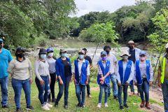 Estudiantes de III año de la carrera de Licenciatura en Saneamiento y Ambiente.