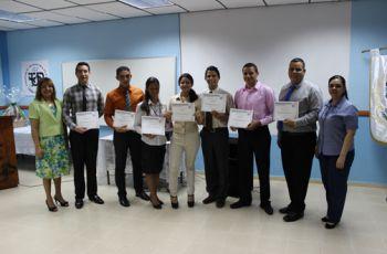 Estudiantes participantes del Concurso Interno de Oratoria.