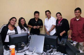 Estudiantes de la UTP Chiriquí realizan labor social.
