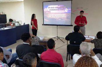 Estudiantes del Centro Regional de Colón exponiendo sus proyectos ante los jurados