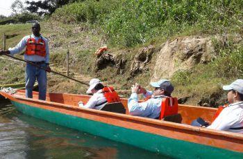 Recorrido desde el Puerto El Corotú, en la orilla del Lago Alajuela.
