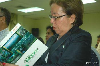 Los asistentes al evento recibieron información sobre bosques.