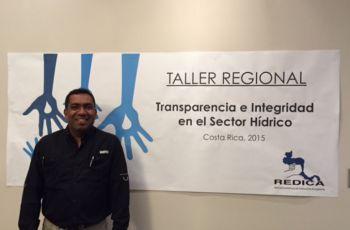 El Ingeniero David Vega, del CIHH presentó conferencias en el Taller Regional.
