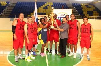UTP Panamá Sede gana Campeonato de Baloncesto de Veteranos.