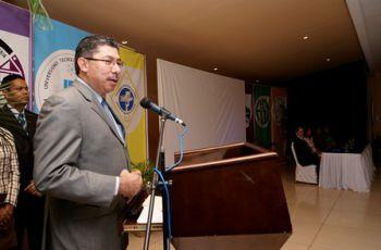 El Dr. Martín Candanedo, dio las palabras de bienvenida a los participantes.