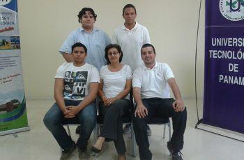 Estudiantes, docentes e investigadores, del Centro Regional de Azuero.