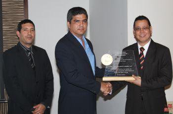 El Ing. Carlos Alberto Cedeño Díaz fue galardonado con el premio Iniciativa...
