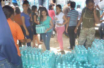 UTP - Azuero apoya distribución de agua.