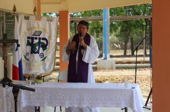 Padre Manuel Ochogavia.