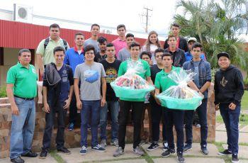 """Donación de canastillas al Hospital Luis """"Chicho"""" Fabregas."""