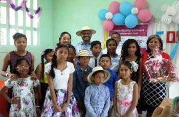 Doce niños reciben certificado por culminar satisfactoriamente el primer curso de ingles en El Valle de Antón