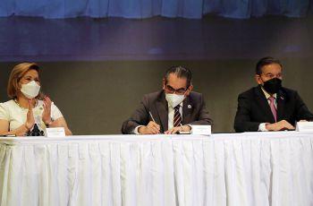 Firma en representación de Universidades Oficiales