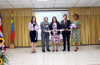 Autoridades de la Universidad Tecnológica de Panamá, inauguraron el evento.